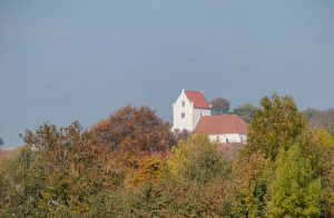 Dalby heligkorskyrka | Holy Cross Priory of Dalby, Skåne, Sweden: Exteriör | Exterior | Aussenansicht [2018]<br>Lat: 55.664367N, Long: 13.344230E © Kristian Adolfsson (www.adolfsson.photo)
