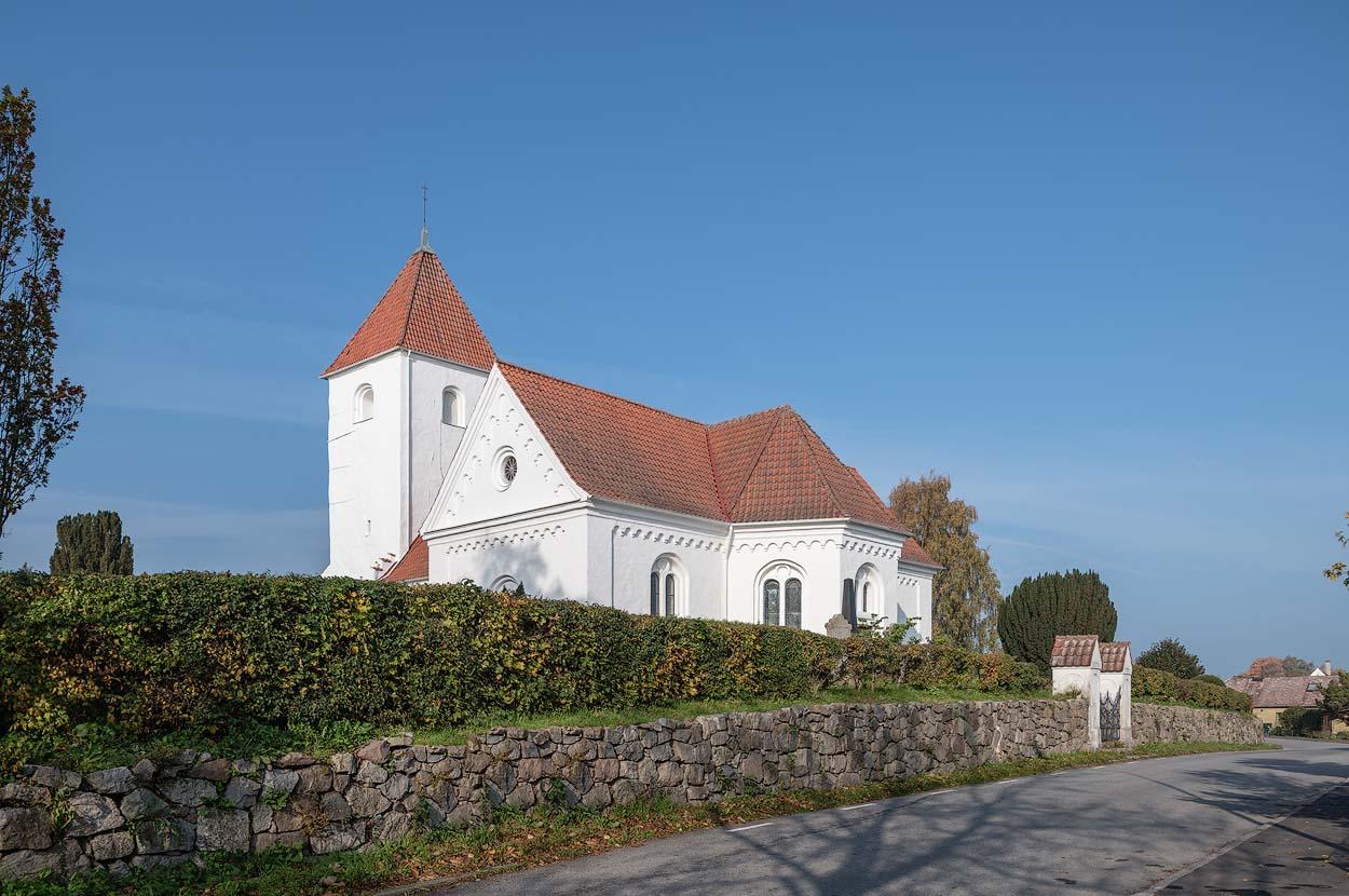 Fil:Hllestads kyrka Vstergtland Sweden redteksystems.net Wikipedia