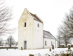 Södra Åsums gamla kyrka | old Church, Sjöbo, Skåne, Sweden: Kyrktorn, kyrkogård, gravar, exteriör | Tower, graveyard, exterior [2018]Lat: 55.650717N, Long: 13.702128E © Kristian Adolfsson (www.adolfsson.photo)