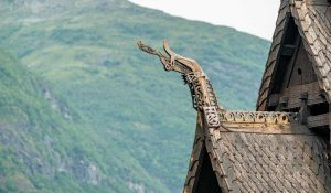 Borgunds stavkyrka | Stave Church | Stavkyrkje / Stavkirke, Borgund, Norge | Norway: Drakhuvud, exteriör | Dragon head, exterior [2015]<br>Lat: 61.046842N, Long: 7.812267E Copyright © Kristian Adolfsson / www.adolfsson.photo